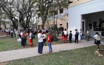 Levantan toma en Colegio Nacional de la Capital