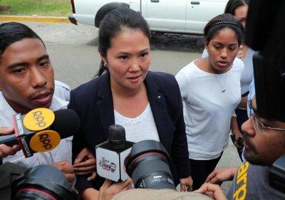 Indulto a Fujimori reaviva guerra entre sus hijos