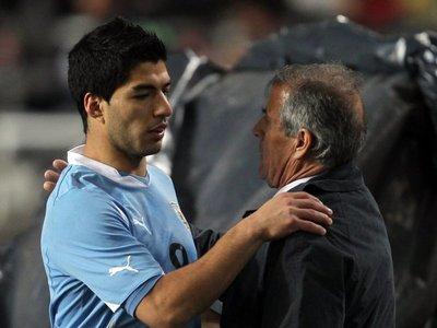 Tabárez prescinde de Suárez para amistosos