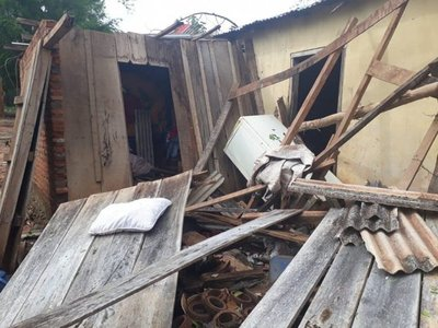 Temporal destruyó viviendas