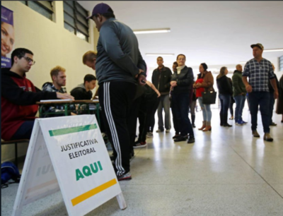 Brasileños residentes en nuestro país también votan