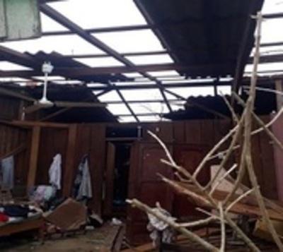 Asisten a decenas de familias afectadas por temporal en Canindeyú