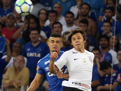 Corinthians cae ante el Cruzeiro en la primera final