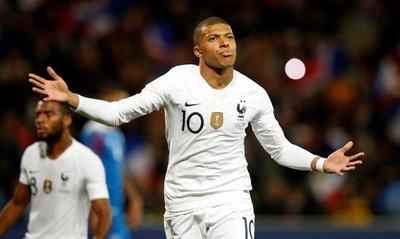 Francia iguala sobre la hora ante Islandia