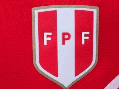 La FIFA vuelve a amenazar a Perú