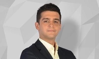 Enrique Dávalos celebró sus 30 primaveras.