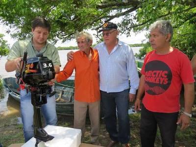 Villa Florida: Compran motor para humilde pescador