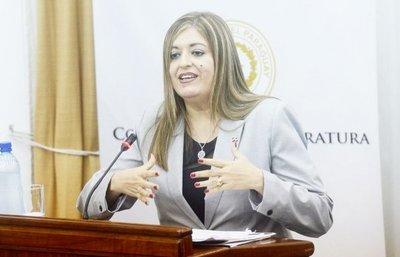 Piden juicio político a Sandra Quiñónez