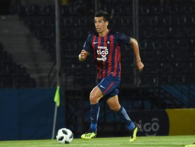 Víctor Cáceres es baja en Cerro por lesión