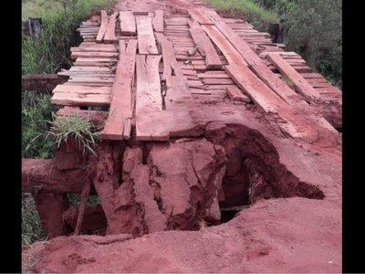 Se cayó único puente que une a Tapiracuái Poty