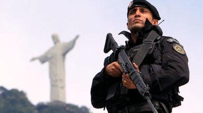 Soldados cercan favelas para controlar la violencia