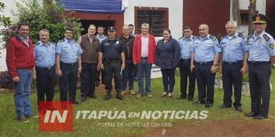 MINISTRO DEL INTERIOR VISITÓ COMISARÍAS DEL DEPARTAMENTO DE ITAPÚA