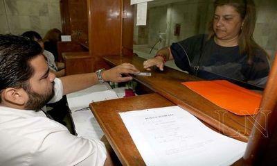 Buscan eliminar el uso del papel en instituciones públicas