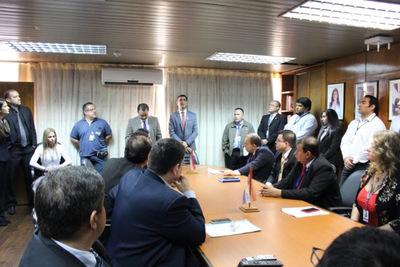 Encargado de Despacho establece directrices de trabajo con directores y jefes de áreas