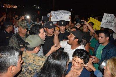 Escrachan a intendente de Concepción
