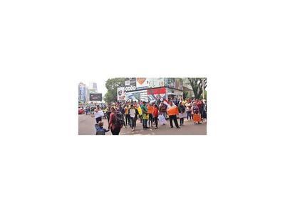 Paseros protestan contra los controles en Ciudad del Este