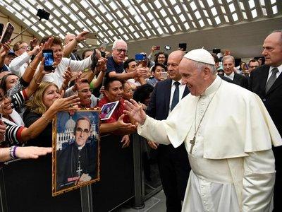 Papa pide ayuda eficaz y no meros propósitos para acabar el hambre