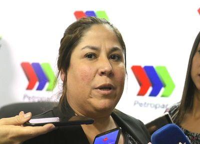 Operadores denuncian que son amedrentados por Presidenta de Petropar