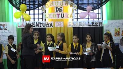MADRE DEL NIÑO ESCRITOR FALLECIDO PARTICIPA DE LA APERTURA DEL CONCURSO DE LECTURA