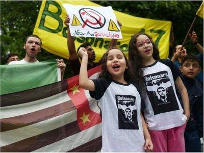 Jair Bolsonaro seguiría ejemplo de Trump en política exterior
