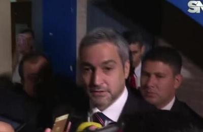 Finaliza la reunión entre Abdo Benítez y Efraín Alegre