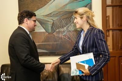 Cultura y OEI planifican cooperación interinstitucional
