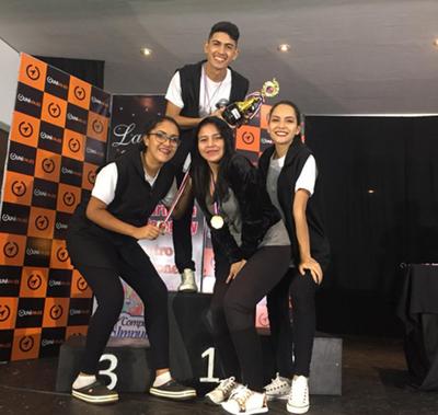 Esteños se alzan con varios  premios en concurso de danza