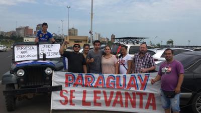 Universitarios inician travesía anticorrupción