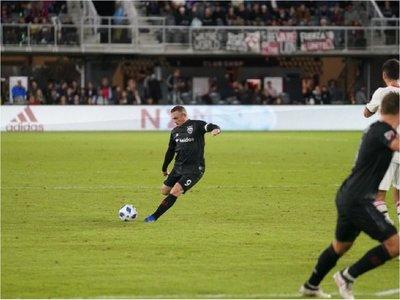 Rooney sigue deleitando