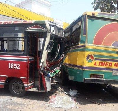 Choque de buses
