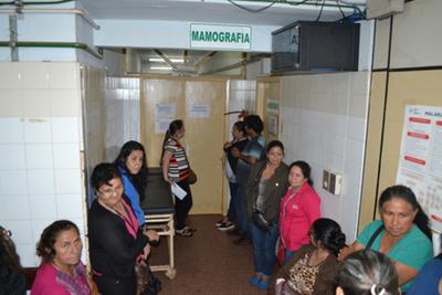 Mujeres con cáncer están obligadas  a migrar en busca de tratamiento