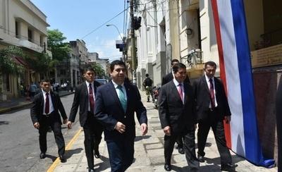 HOY / Vice de Marito defiende a Friedmann y Cuevas, y rechaza publicaciones