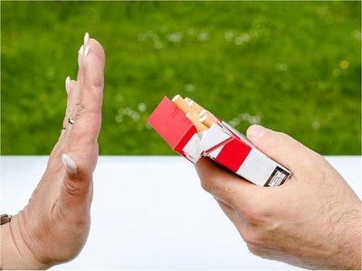 Consumo de tabaco puede adelantar aparición de la menopausia