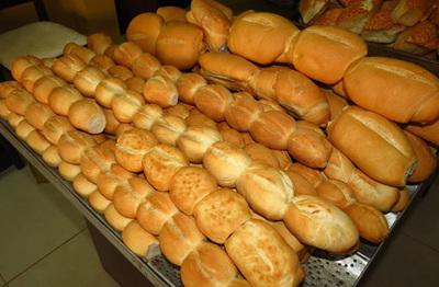 Por ahora, panaderos no subirán precio de sus productos