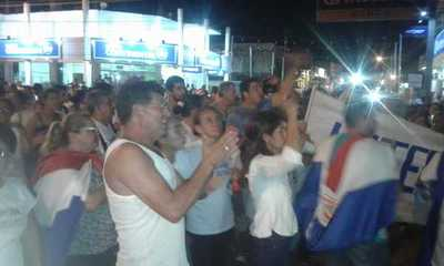 Protestas cierran una semana con mayoría de concejales escrachados