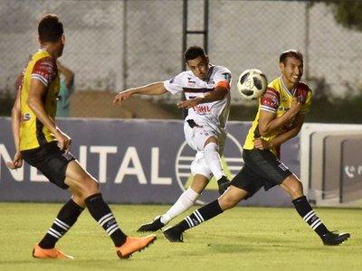 Édgar Zaracho celebra con gol su partido N° 150