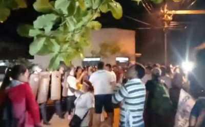 Brutal represión policial durante marcha de indignados en Concepción