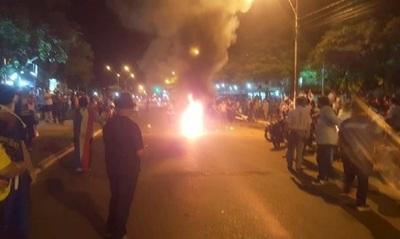 Balines de goma y carros hidrantes para reprimir en Concepción