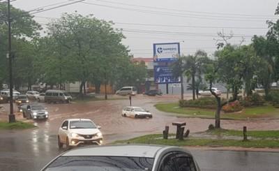 Rotonda del Km 3,5 bajo agua