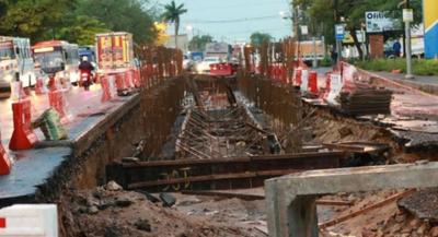 Obreros piden que Mota Engil siga con obras del Metrobús