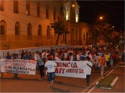 Nueva movilización y más escraches contra intendente de Concepción