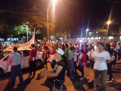 Movilización 18 se centró frente a residencia de los Urbieta y anuncian reunión con ediles