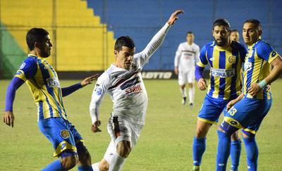 """""""Aviadores"""" y """"Escoberos"""" apuntan a la Sudamericana"""