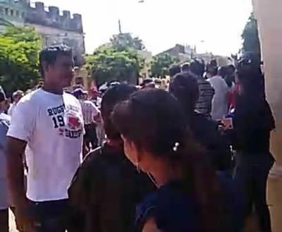 Concejales intentan provocar enfrentamiento entre ciudadanos, pero estrategia no prospera