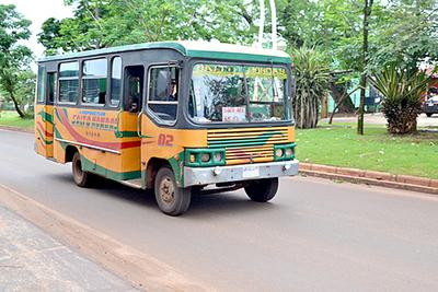 Sigue la disputa por itinerarios del transporte público en Pdte. Franco