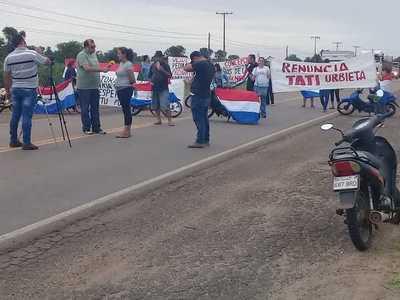 Manifestantes cierran ruta Rafael Franco