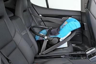 Olvidó que su beba quedó encerrada en el auto y la encontró muerta
