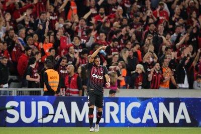 Paranaense toma buena ventaja ante Fluminense