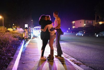 Doce muertos tras un tiroteo en un bar de California durante una fiesta universitaria
