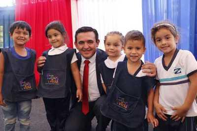 Eduardo Petta realizó lanzamiento de programas y entrega de elementos didácticos – Prensa 5